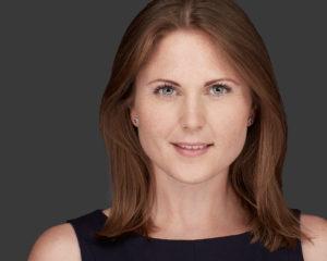 Headshots-Vienna Business-Headshot Portrait Frau mit brünetten Haaren