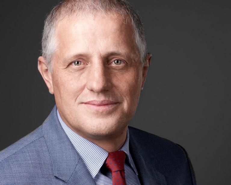 Business Headshot Portrait Mann