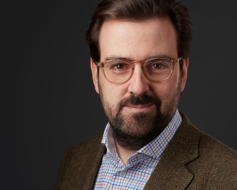 Business Headshot Portrait Mann mit Brille